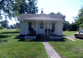216 Center, Littelton, Schuyler, Illinois, United States 61452, 2 Bedrooms Bedrooms, 5 Rooms Rooms,1 BathroomBathrooms,40,000 to 90,000,Available,Center,1322